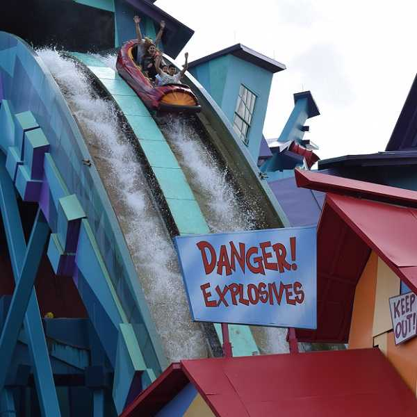 Dudley Do-Right's Ripsaw Falls is a Fun Water Ride